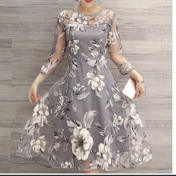 6f788084b9bf NWT Misslook Silver Gray Floral dress size Small